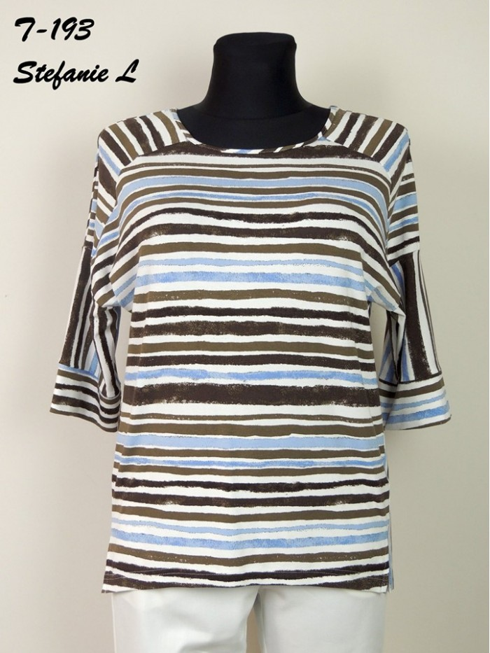 Knitted blouse T-193