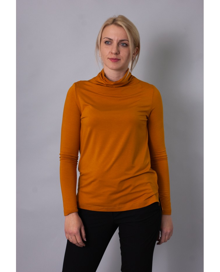 Knitted blouse T-203